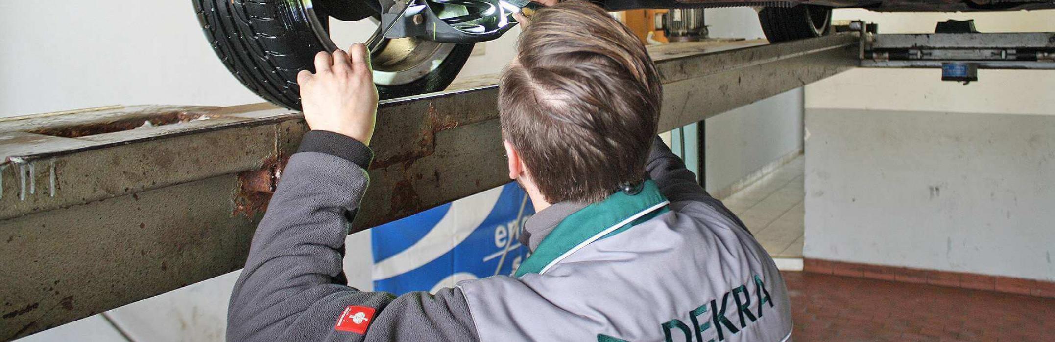 Die Haupt- und Abgasuntersuchung in der Kfz-Werkstatt