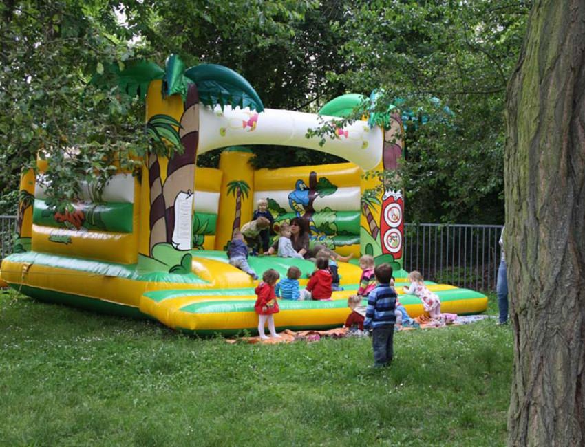 Autos am Posthorn Autokauf - Kindertag im Kindegarten