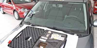 Scheibentausch in der Kfz Werkstatt Autos am Posthorn